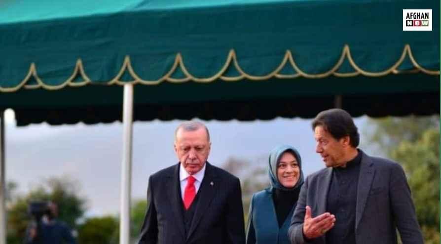 اردوغان د اقتصادي اړیکو د پراختیا لپاره پاکستان ته تللی