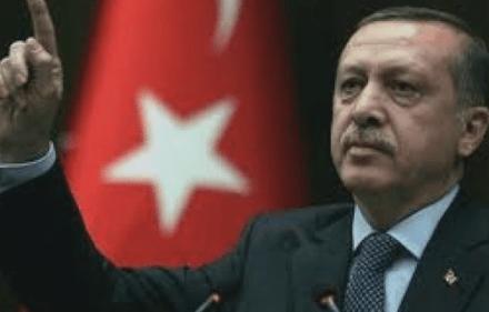 ترکیه په تړلي سرحد یونان ته کډوال اړوي ، او HRW او نیویارک ټایمز د تبلیغاتي وسیلې په توګه کاروي