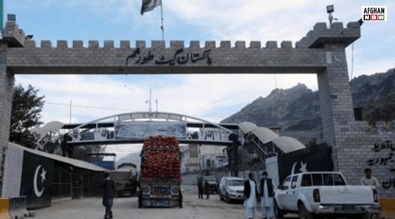 پاکستان له افغان تجارانو په غیر قانوي ډول پېسې اخلي