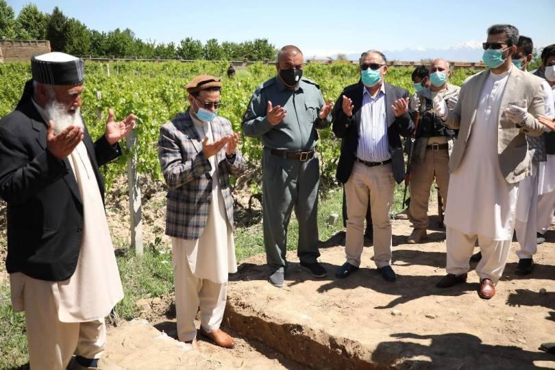 افغانستان کې نویوپروژو پلي کېدو سره به دوه نیم لکه کسانو ته دکارزمينه برابره شي