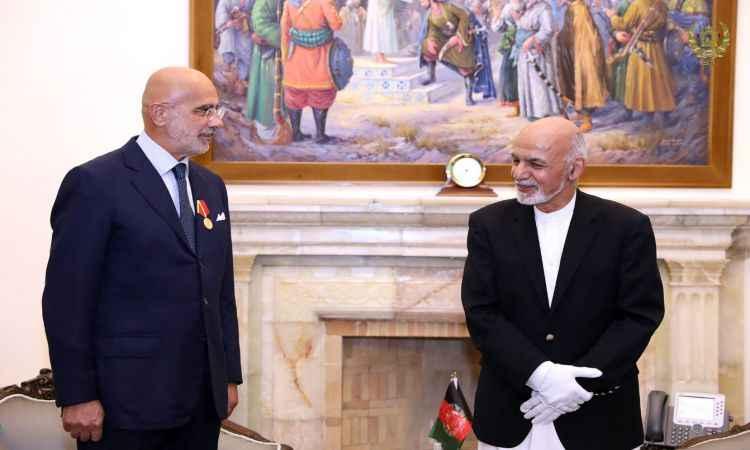 افغانستان کې دایټالیا سفیر ته د غازي میرمسجدي خان دولتي مډال ورکړۍ شو.