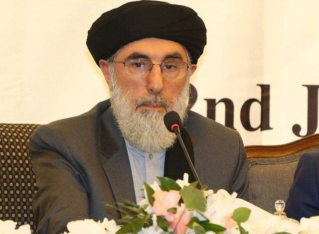 حکمتیار:افغان سیاسيون به له طالبانو سره خپلمنځي مذاکرات پیل کړي