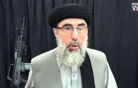 ګلبدین حکمتیار طالبانو سره مخامخ خبرو لپاره قطر ته سفر کوي