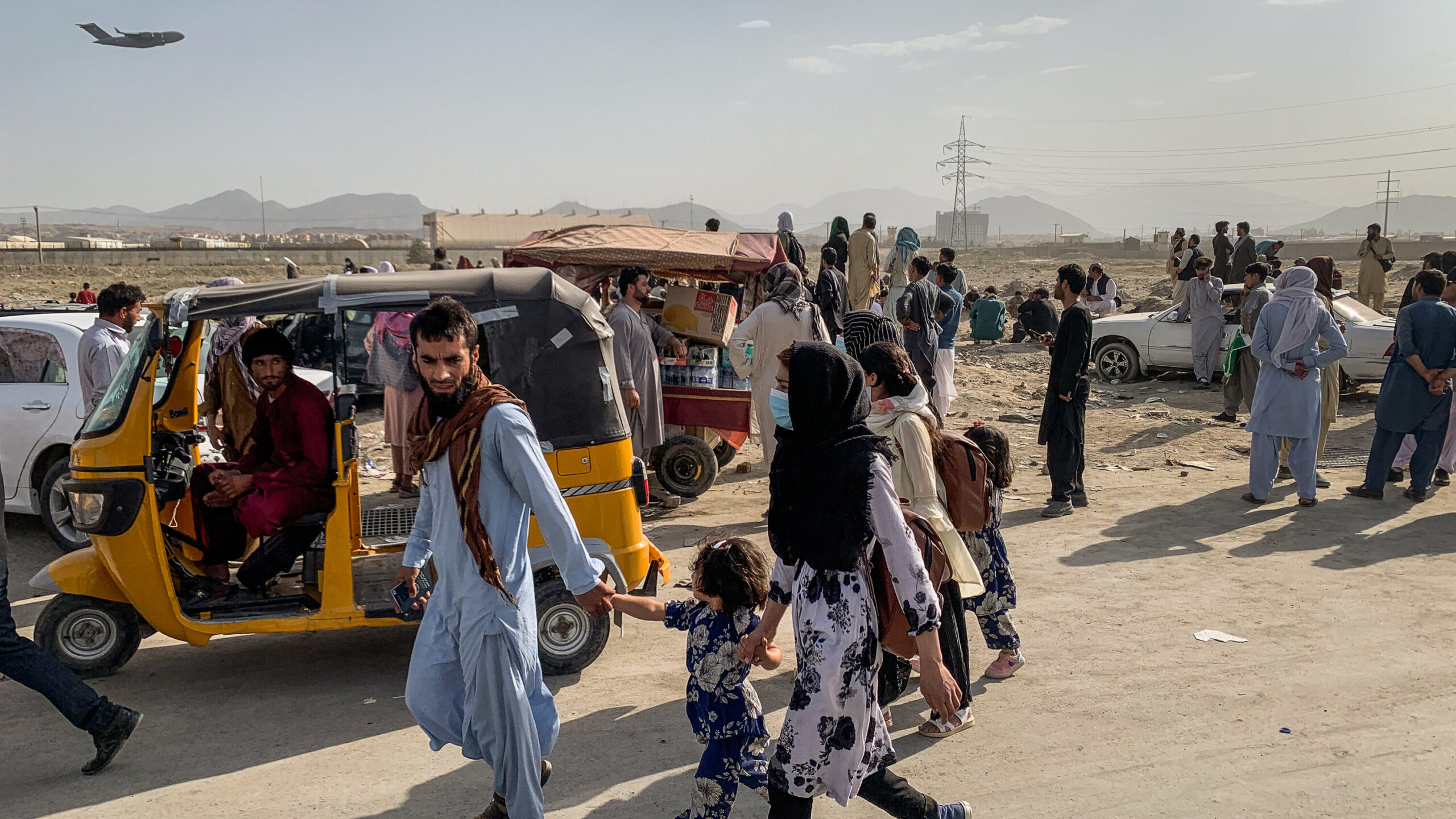 ملګرو ملتونو خبرداری ورکړی دی چې راتلونکی مياشتو کې به ډېری افغانان هیواد څخه ووځی