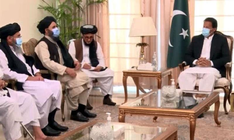 عمران خان: د افغان طالبانو په مرسته له پاکستاني طالبانو سره افغانستان کې خبرې کوو.