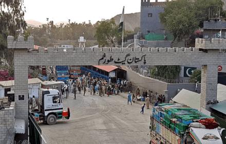 طورخم  سرحد افغان,پاکستان,وزیراعظم عمران خان